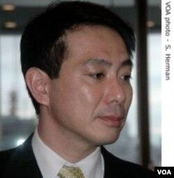 Menlu Jepang Seiji Maehara mengatakan, Presiden Medvedev harus menjelaskan alasan kunjungannya ke pulau yang disengketakan.