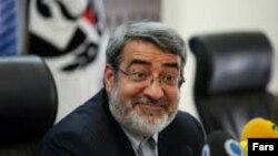 عبدالرضا رحمانی فضلی، وزیر کشور جمهوری اسلامی تهدید کرده بود که برای آزادسازی مرزبانان ربوده شده ایرانی، نیروهای جمهوری اسلامی وارد خاک پاکستان خواهند شد.