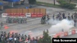 港警舉行仿選舉騷亂特別訓練(蘋果日報網站視頻截圖)