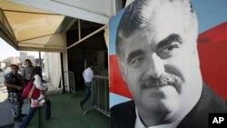 黎巴嫩前總理拉菲克.哈里里(圖)的遭謀殺案﹐4名真主黨成員將會被起訴。