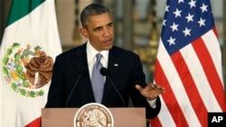 Presiden Amerika Serikat Barack Obama saat menggelar konferensi pers bersama Presiden Enrique Pena Nieto (tidak ada dalam gambar) di Meksiko (2/5).