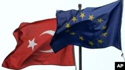 Lüksemburg'da toplanan Avrupa Birliği Genel İşler Konseyi'nden, Türkiye'yle yeni bir müzakere başlığı açılması için onay çıktı.