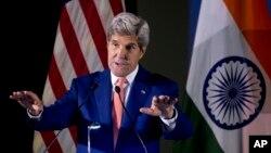 Ngoại trưởng Hoa Kỳ John Kerry nói chuyện với các sinh viên ở New Delhi, Ấn Độ, 31/8/2016.