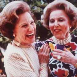 Ann Landers, right, and her twin sister Pauline, who also wrote an advice column as Dear Abby