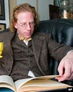 Jonathon Keats, author of 'Virtual Words'