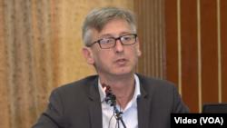 وکیل مدافع آقای کریم گفت که هنوز فیفا اسناد موثق در مورد ادعاهای علیه موکلاش به او ارایه نکرده است