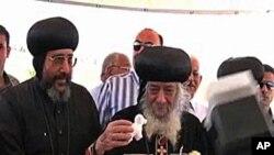 Giáo chủ Giáo hội Cơ đốc giáo Coptic Shenouda Đệ Tam, nhà lãnh đạo tinh thần của cộng đồng Cơ Ðốc giáo lớn nhất tại Trung Đông