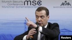 梅德韦杰夫2016年2月13日在慕尼黑安全会议上发言。