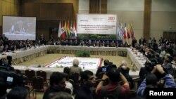 La misión de cancilleres de cuatro países de UNASUR espera contribuir al diálogo político en Venezuela.