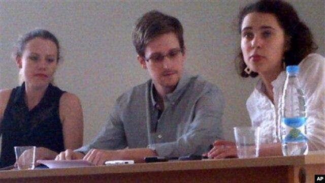 Jay Carney për çështjen Snowden