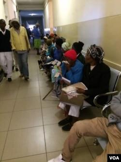 Banengi abantu abadinga uncedo eMpilo Hospital.