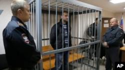 Aktivista Grinpisa Ruslan Jakušev u sudnici u Murmansku, u Rusiji