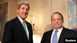 Sekreteri wa leta w'Amerika John Kerry na ministri w'intebe wa Pakistan Nawaz Sharif i Washington kw'italiki ya 20/11/2013