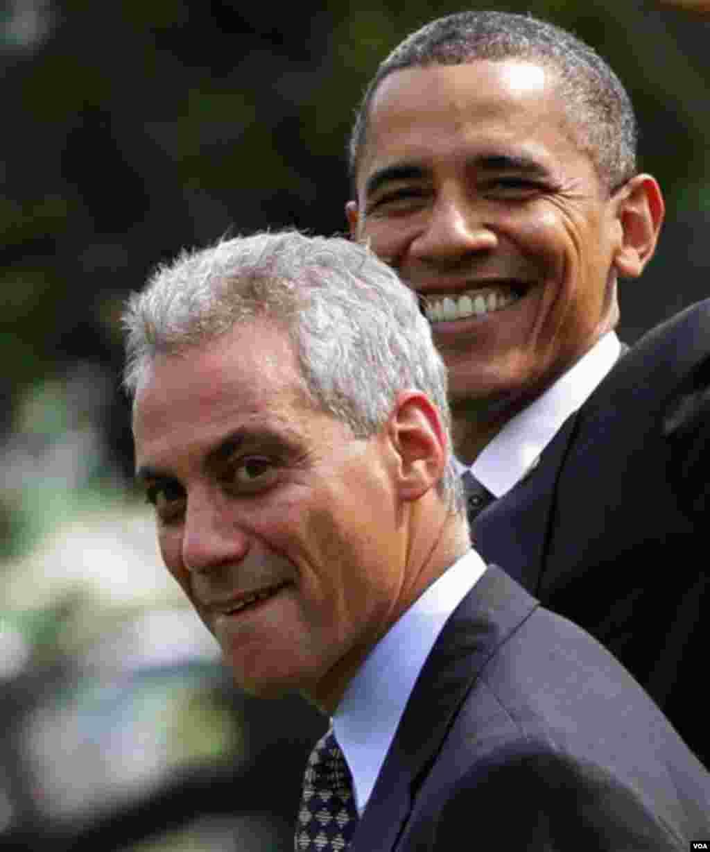 Glavni savjetnik predsjednika Baracka Obame, Rahm Emanuel podnio je ostavku. Mediji spekulišu da će se kandidirati za gradonalnika Čikaga (AP Photo/J. Scott Applewhite)