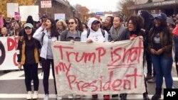 Masu zanga zangar kin jinin zababben shugaba Donald Trump
