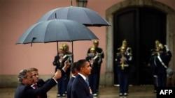 Ông Obama nói rằng phe Cộng hòa đang làm ngơ trước bài học của cố Tổng thống Ronald Reagan về ngoại giao hạt nhân.