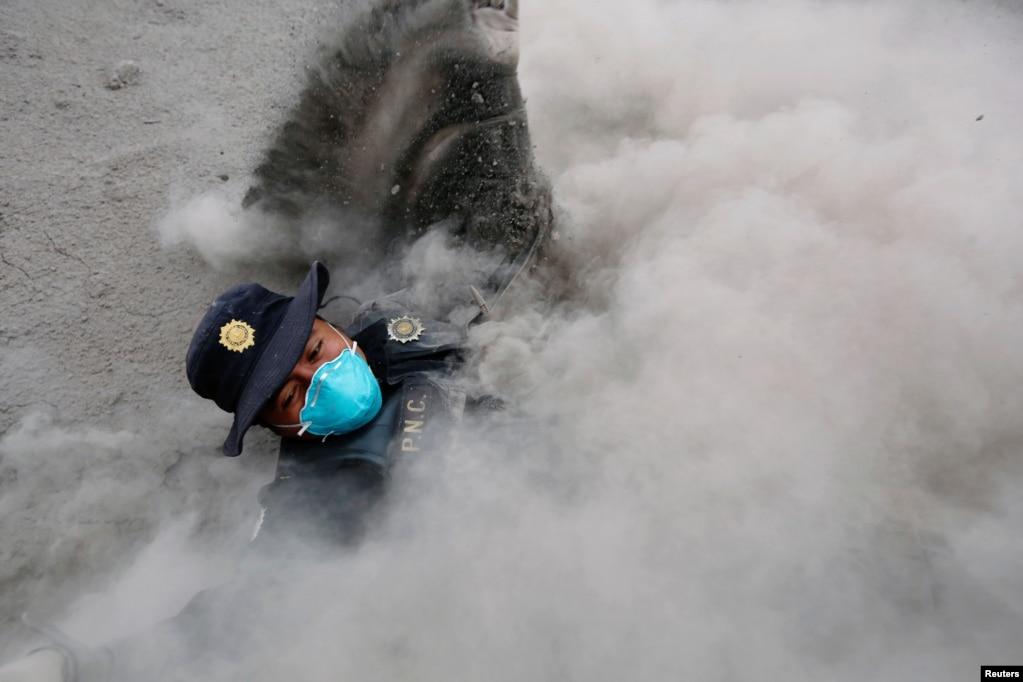 Qvatemalada vulkan püskürməsindən sonra