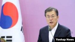 جنوبی کوریا کے مون جے ان، فائل فوٹو