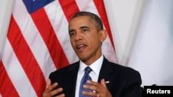 奧巴馬總統9月23日抵達紐約,在聯合國大會開會之前會見尼日利亞總統喬納森時發表講話。