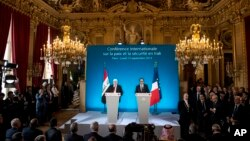 지난 15일 프랑스 파리에서 서방과 아랍 20여개국 대표들이 모여 '이슬람국가'에 대응하기 위한 방안들을 논의했다. 시리아 정부는 16일 이 회의에서 배제된 것에 대해 불만을 나타냈다.