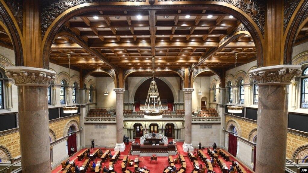 Зал заседаний Ассамблеи штата Нью-Йорк в столице штата - Олбани