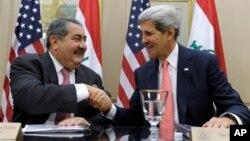 존 케리 미국 국무장관(오른쪽)이 15일 워싱턴에서 호시야르 제바리 이라크 외무장관과 회담했다.
