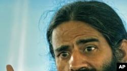 بھارت: بابا رام دیو بھوک ہڑتال کے ساتویں روز اسپتال منتقل