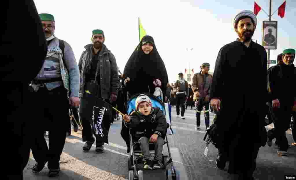 زائران اربعین امام حسین در کربلا