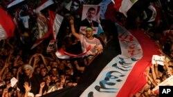 Pristalice svrgnutog predsednika Mohameda Morsija tokom protesta u kairskoj četvrti Nasr Siti