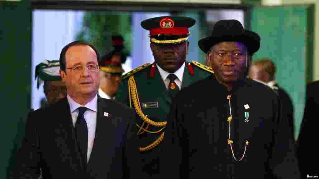 Shugaba Francois Hollande na Faransa da Shugaba Goodluck Jonathan na Najeriya