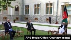 خلیلزاد پس از سفر به قطر و پاکستان وارد کابل شد
