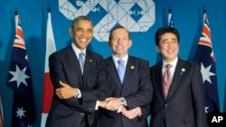 美國總統奧巴馬(左)日本首相安培晉三(右)和澳大利亞總理阿博特(中)。