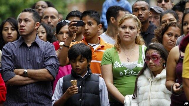 Las personas más inclinadas a la pobreza son las de 65 años o más, las que residen en los centros urbanos y los hispanos.