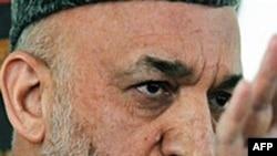 卡尔扎伊周四在喀布尔发表讲话