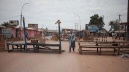 """Le quartier à majorité musulmane PK5 de Bangui, au lendemain d'une opération militaire menée par la force de maintien de la paix de l'ONU, la MINUSCA, contre des groupes d '""""autodéfense"""", le 9 avril 2018."""