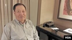 한국전 직후 미그 15기를 몰고 탈북한 북한 공군 출신 노금석 씨가 16일 VOA와 인터뷰했다. 노금석 씨는 최근 발간된 탈출기에서 김일성 전 주석과 만난 후 독재의 비극을 예감했다고 밝혔다.