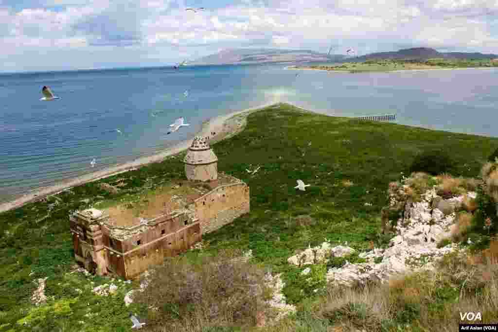 Çarpanak Island or Ktuts Island