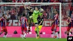 Confrontation Bayern-Dortmund au stade Allianz de Munich, en Allemagne, le 1er novembre 2014. (AP Photo/Matthias Schrader)