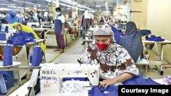 Para pekerja industri garmen di Bangladesh (foto: ilustrasi).