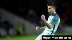 Raphael Guerreiro joueur du Portugal, l'une des personnes élues au 11 idéal de l'UEFA après l'Euro 2016
