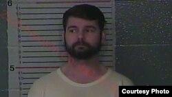 លោក Micky Rife បុរសអាមេរិកាំងម្នាក់ក្នុងរដ្ឋ Kentucky ត្រូវបានចាប់ខ្លួនកាលពីខែមករា ឆ្នាំ២០១៩ ពីបទប្រព្រឹត្ត និងប៉ុនប៉ងប្រព្រឹត្តការបំពានផ្លូវភេទក្មេងស្រីពីរនាក់នៅប្រទេសកម្ពុជា។ (រូបថតដោយ Franklin County Regional Jail)