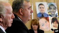 Cảnh sát trưởng thành phố Boston Edward Davis điều trần trước Ủy ban An ninh Quốc nội Hạ viện về vụ nổ bom ở Boston, 9/5/13