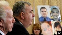 O επικεφαλής της Αστυνομίας της Βοστόνης Έντουαρντ Ντέηβις καταθέτει στην επιτροπή