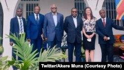 Me Akere Muna (3e G) na bakambi ya Agence ya bopekisi mpe kobundisa kaniaka APLC elongo na bakambi ba PNUD mpe ya Misala mya sembo mpe bopekisi drogue to bangi na ambassade ya USA, Kinshasa, 2 septembre 2020. (Twitter/Akere Muna)