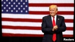 آقای ترامپ دو بار فرمان اجرایی صادر کرده بود که با مخالفت دادگاه های تجدیدنظر مواجه شده بود.