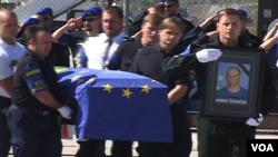 Memorijalna služba za ubijenog pripadnika EULEX-a Audriusa Šenavičijusa
