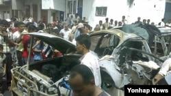 ລົດຄັນນຶ່ງ ທີ່ຖືກທໍາລາຍ ໃນການໂຈມຕີຂອງພວກ al-Qaida ທີ່ເຢເມນ ໃນວັນເສົາວານນີ້, ທີ 18 ສິງຫາ 2012.