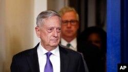 """""""Siempre estaremos con uno de los nuestros"""", dijo el secretario de Defensa de #EEUU, Jim Mattis a periodistas en el Pentágono, en referencia a los posibles Dreamers que pudiera haber en servicio activo, como reservas o como reclutas."""