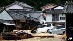 태풍의 영향으로 물에잠긴 일본 나치카츠우라 마을(자료사진)