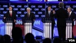 Los precandidatos republicanos participaron ayer de un acalorado debate que se centró en la realidad de los hispanos en EE.UU.